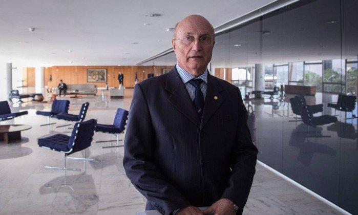 Ministro da Justiça aparece em grampo da Operação Carne Fraca. Leia o diálogo entre  Serraglio e o 'grande chefe'. https://t.co/LDxXkE380H
