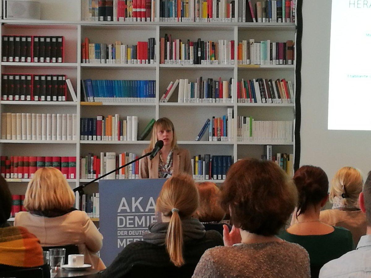 @medien_akademie