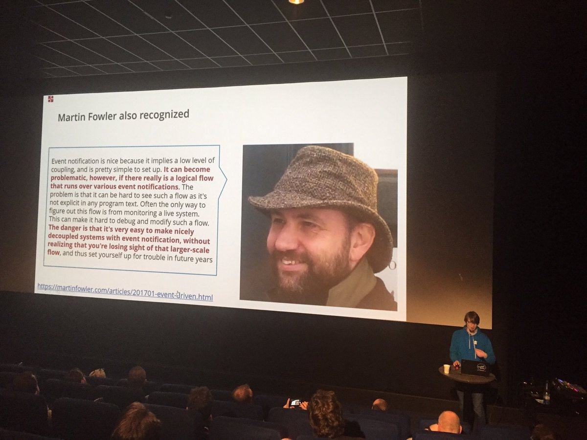 &quot;The danger is that it's very easy to [... lose] sight of that larger-scale flow&quot; #microservices #orchestration @berndruecker @VoxxedVienna<br>http://pic.twitter.com/WJHDMSWJMj