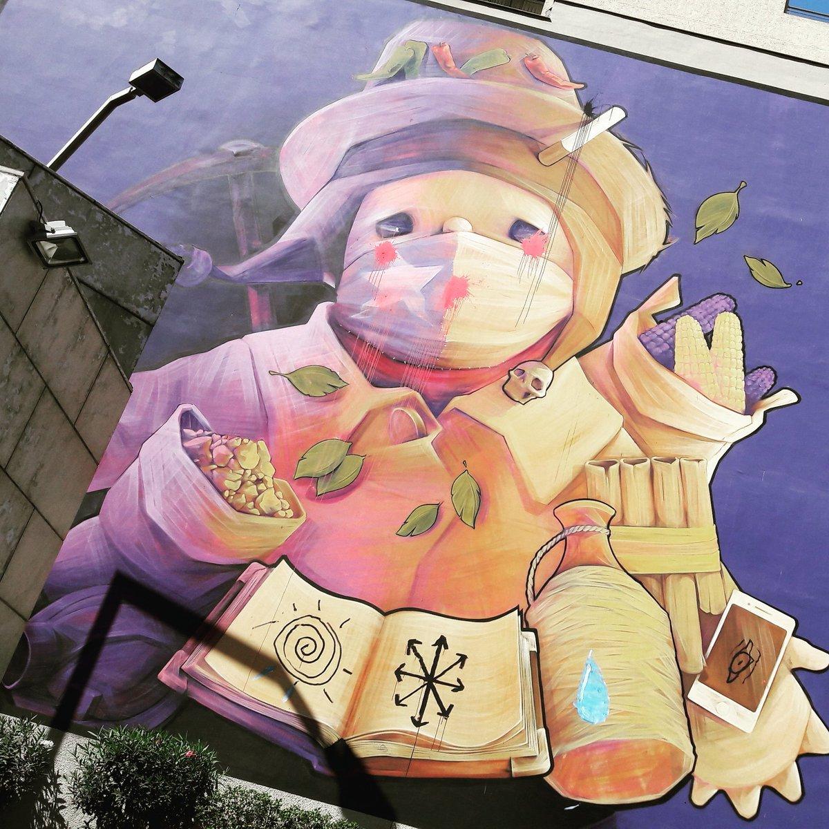Sympa les sorties de métro au #chili #inti #intiartist #santiago #arturbain #urbanart #muralisme #fresque #streep #streepart<br>http://pic.twitter.com/suq4x5GWrJ