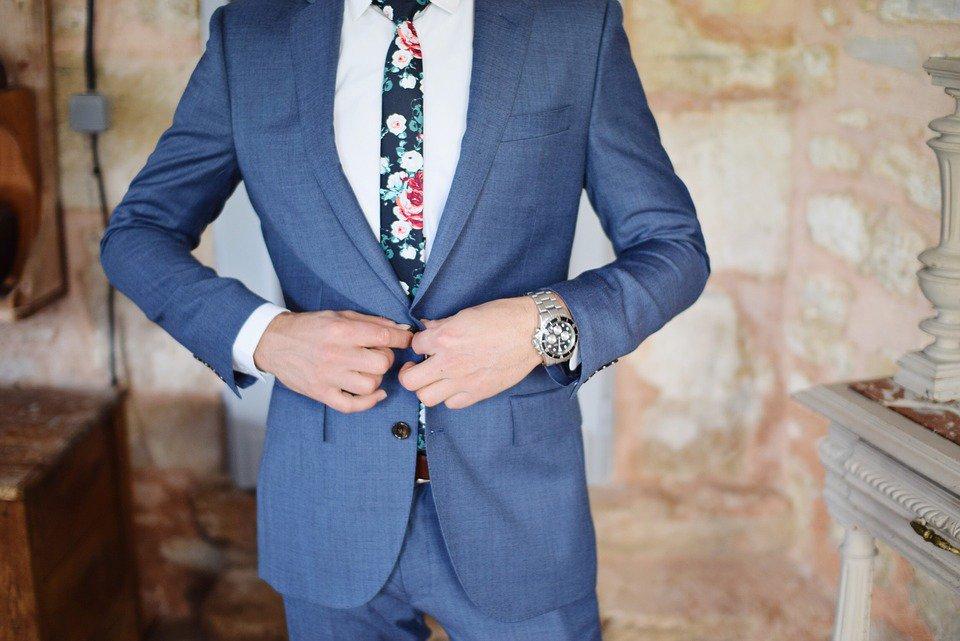 ¡Sigue estos consejos para encontrar el traje de novio perfecto! https://t.co/VSGq53DrGc Vía: @Nosotras_com https://t.co/upmiuOKfQy
