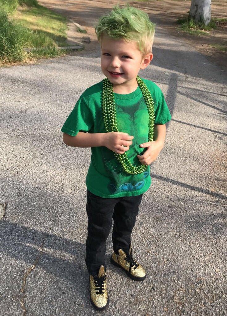 Happy St. Patrick's Day world!!!! 🍀🍀 #AxlJack https://t.co/qOtcdCwQVX