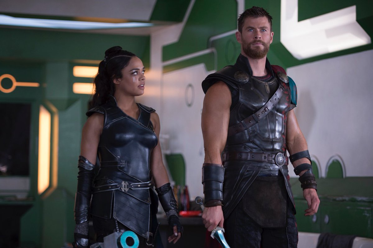 "CHRIS HEMSWORTH fan on Twitter: ""Thor: Ragnarok Stills Now Textless… """