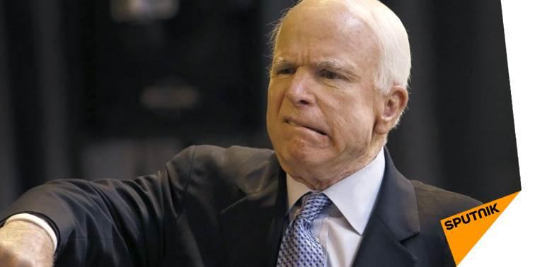 Un sénateur US soupçonne John #McCain d&#39;être «un peu fou»  http:// sptnkne.ws/dQjy  &nbsp;   <br>http://pic.twitter.com/T0lYcFfnpl