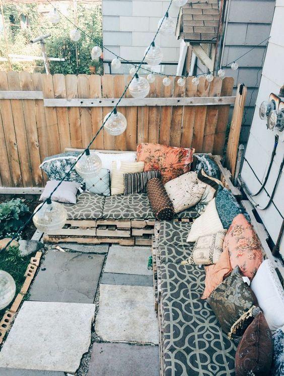 [#DIY] : Vous nous l&#39;avez demandé, voici notre #tuto pr faire un canapé en #palette  --&gt;  http:// ow.ly/AoHR30a0g8N  &nbsp;  <br>http://pic.twitter.com/VUX1bfLZEO