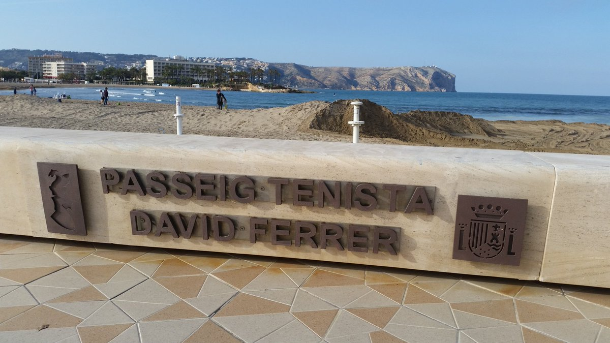 There is always the chance to discover nice new things on the tennis tour :-) #Xàbia <br>http://pic.twitter.com/95StaKGdTG