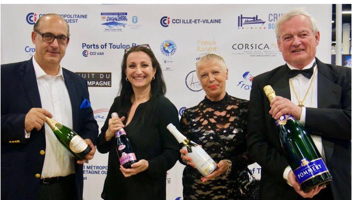Merci @benoitclair et Chris d&#39;avoir si bien représenté la @leSabredor à la @nuitchampagne de #floride ! L&#39;événement qui défend le #champagne<br>http://pic.twitter.com/hhTwXj2GuS