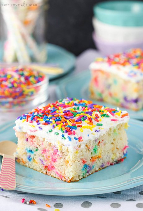 Easy Homemade Funfetti Cake