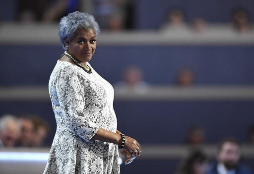Donna Brazile finally admits she shared debate questions with Clinton campaign https://t.co/gdnB947IXW https://t.co/bicyHxKeSf