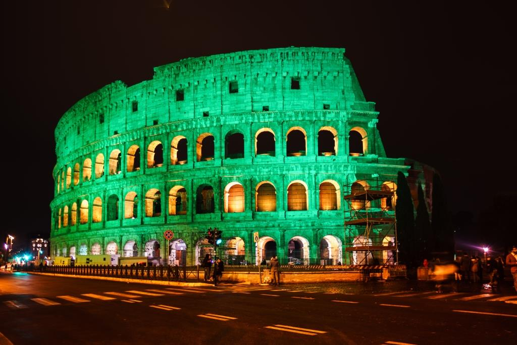 The world has gone green for #StpatricksDay ... our favourite colour! #GlobalGreening https://t.co/lABxmxP5nY