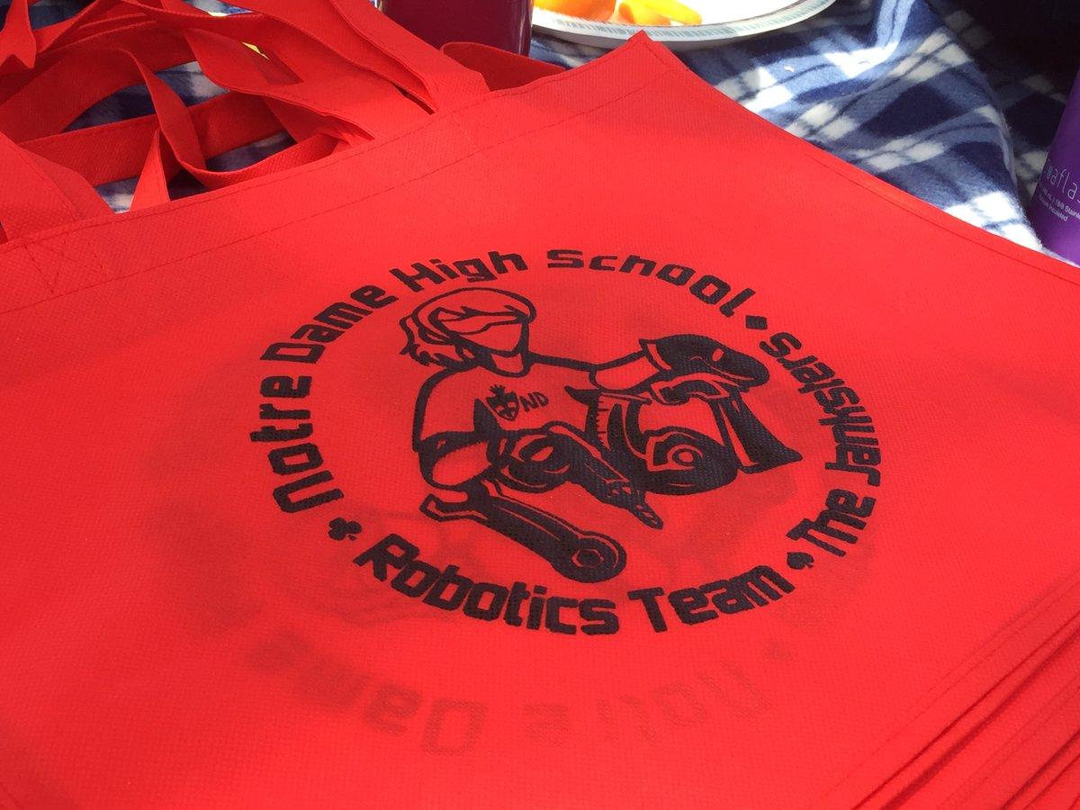 Janksters at Ventura Regional Robotics competition!!!  #GirlsinSTEM #ndrobotics #firststeamworks https://t.co/mKkl1Bn1dh