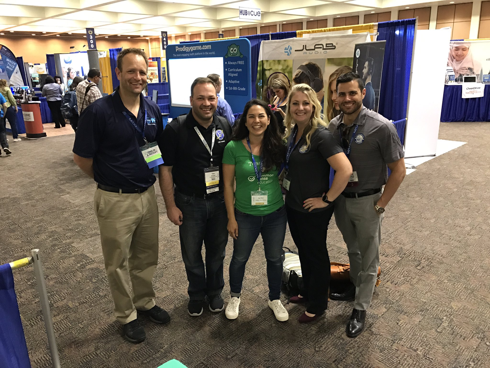 You have to take a snap of @SueThotz MVP school partners when they r at #cue17 @joshjusd @edtechgypsy @ThatEduTechGuy @TimGoree https://t.co/6xpLBPtc5w