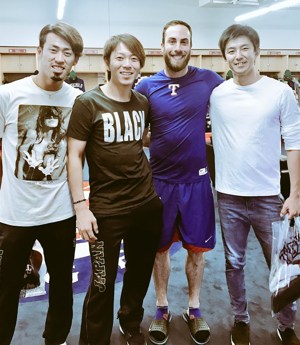 Great seeing my old Fighters teammates (Miyanishi & Masui) and meeting Ryo Akiyoshi, all pitching for team  . がんばってね