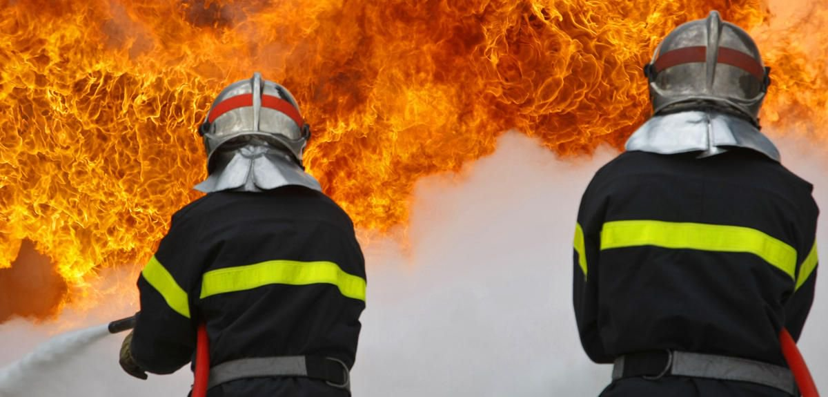 Enquête chez les #pompiers, à (re)lire après la manifestation de mardi dernier  http:// bit.ly/2mQpL75  &nbsp;   #CNRSleJournal <br>http://pic.twitter.com/7XQH7eE10j