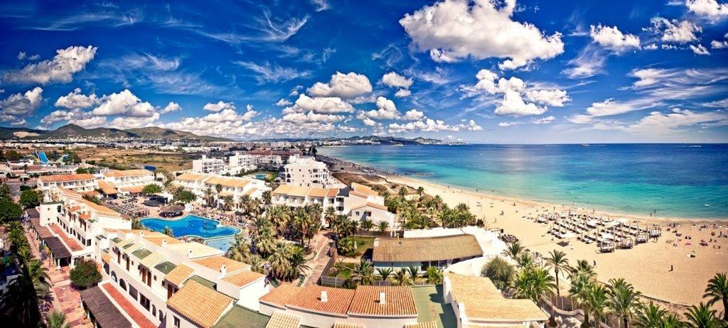 #ibiza2016 HFMibiza recommends clubbers a hotel at Playa den Bossa area. Listing here:  http:// bit.ly/Bossa-Hotels-I biza &nbsp; … <br>http://pic.twitter.com/0gmTmxrubm