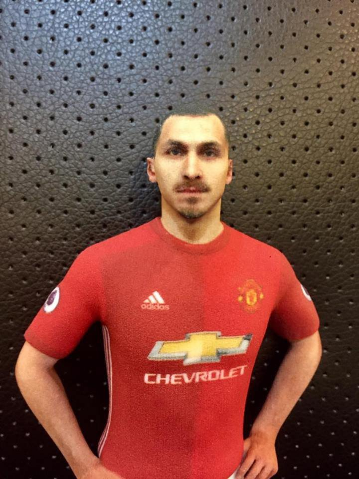 Ibrahimovic 1/8 scale model photo from one of our customers!  http:// printstrike.com/product/zlatan -ibrahimovic-18-standing-figure/   …  #Ibra_official #manutd #ManchesterUnited #FIFApic.twitter.com/FoStdJ94sr