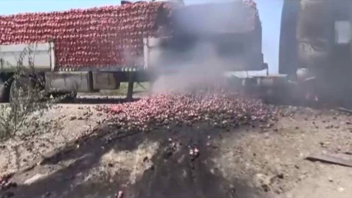 Food Shipment destroyed by Saudi airstrikes in Hodieda, Yemen while Saudi continues siege on poor country