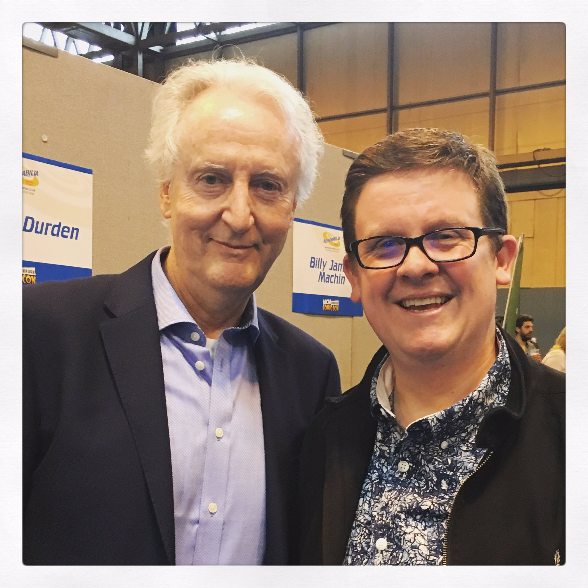 What a gent @realhughfraser is! Wonderful in Sharpe and Poirot #birminghamcomiccon https://t.co/lGZQpe7vtO