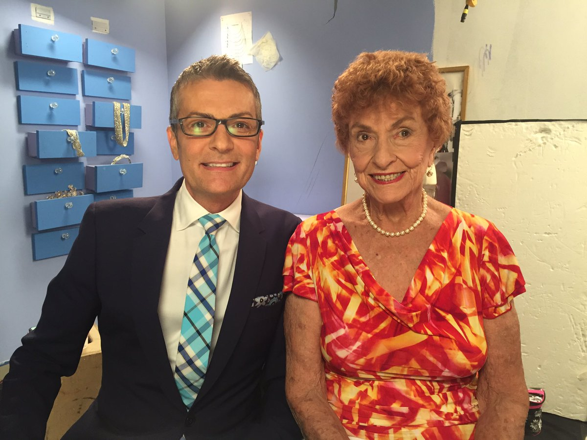 Randy Fenoli On Twitter Who Is Excited To See My Mom Tonight S Episode Of Syttd At 8 7c Est Tlc Kleinfeldbridal Https T Co M48ixqzhsg
