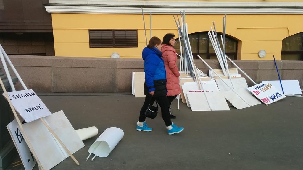 """""""Это была очередная """"принудиловка"""": жители Грозного заявили, что их заставили участвовать в митинге по случаю оккупации Крыма - Цензор.НЕТ 6664"""