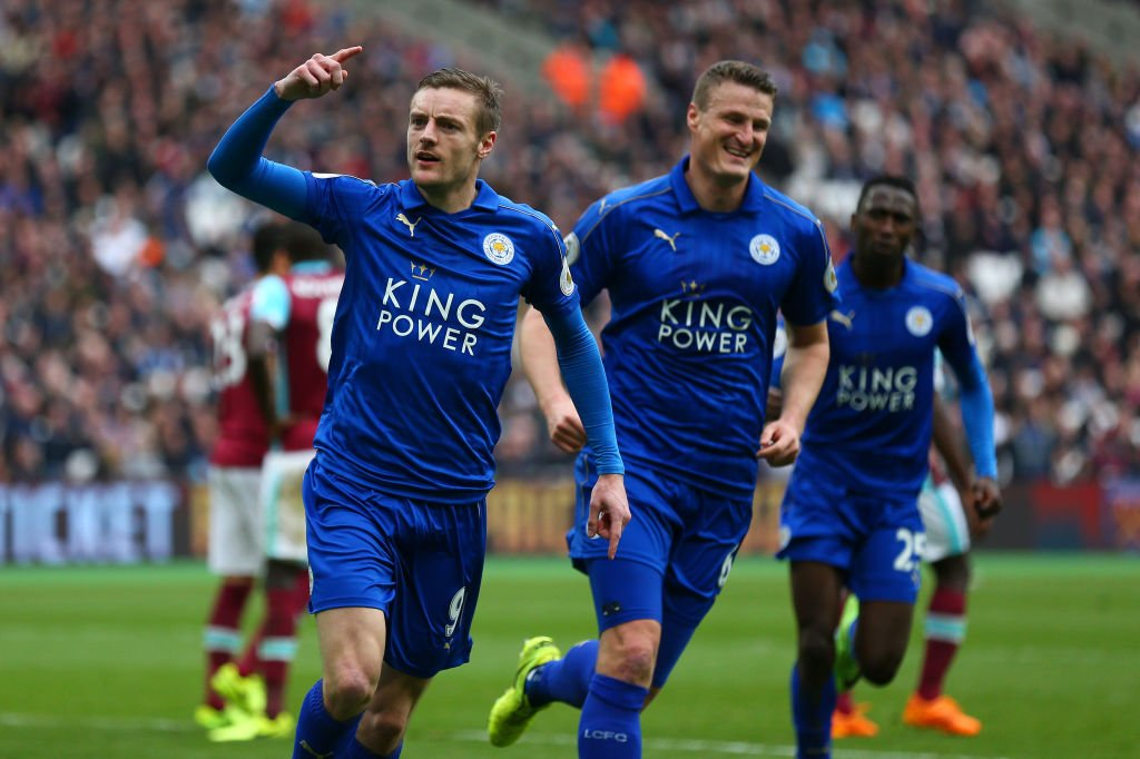 FT West Ham 2-3 Leicester   #LCFC hang on to cap off a superb week htt...