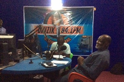 Former Anambra SSG & 2017 governorship aspirant in Anambra election, Oseloka Obaze was at UNIZIK FM on Saturday; he spoke on array of political issues