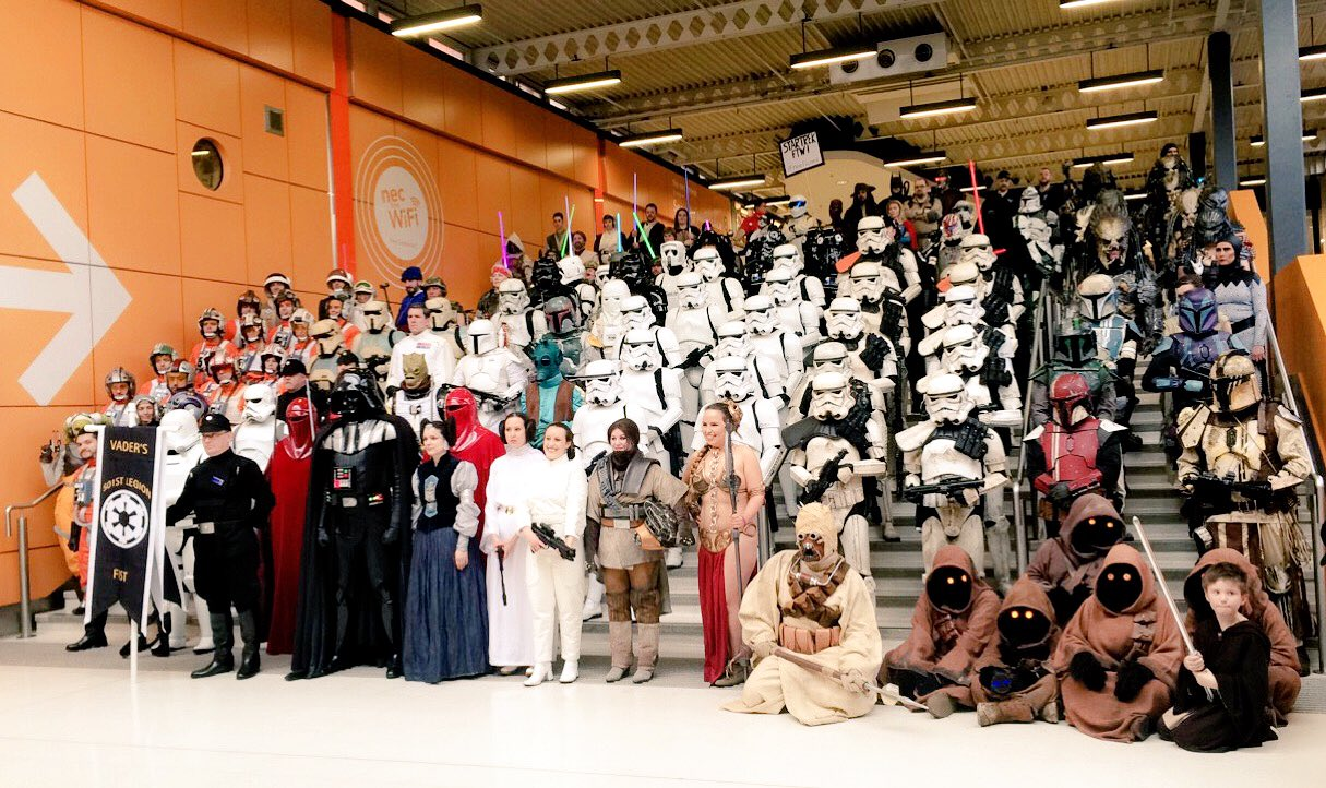 Fab day at #mcmBHM17 #starwars #Birmingham https://t.co/iV7mJmDiOW