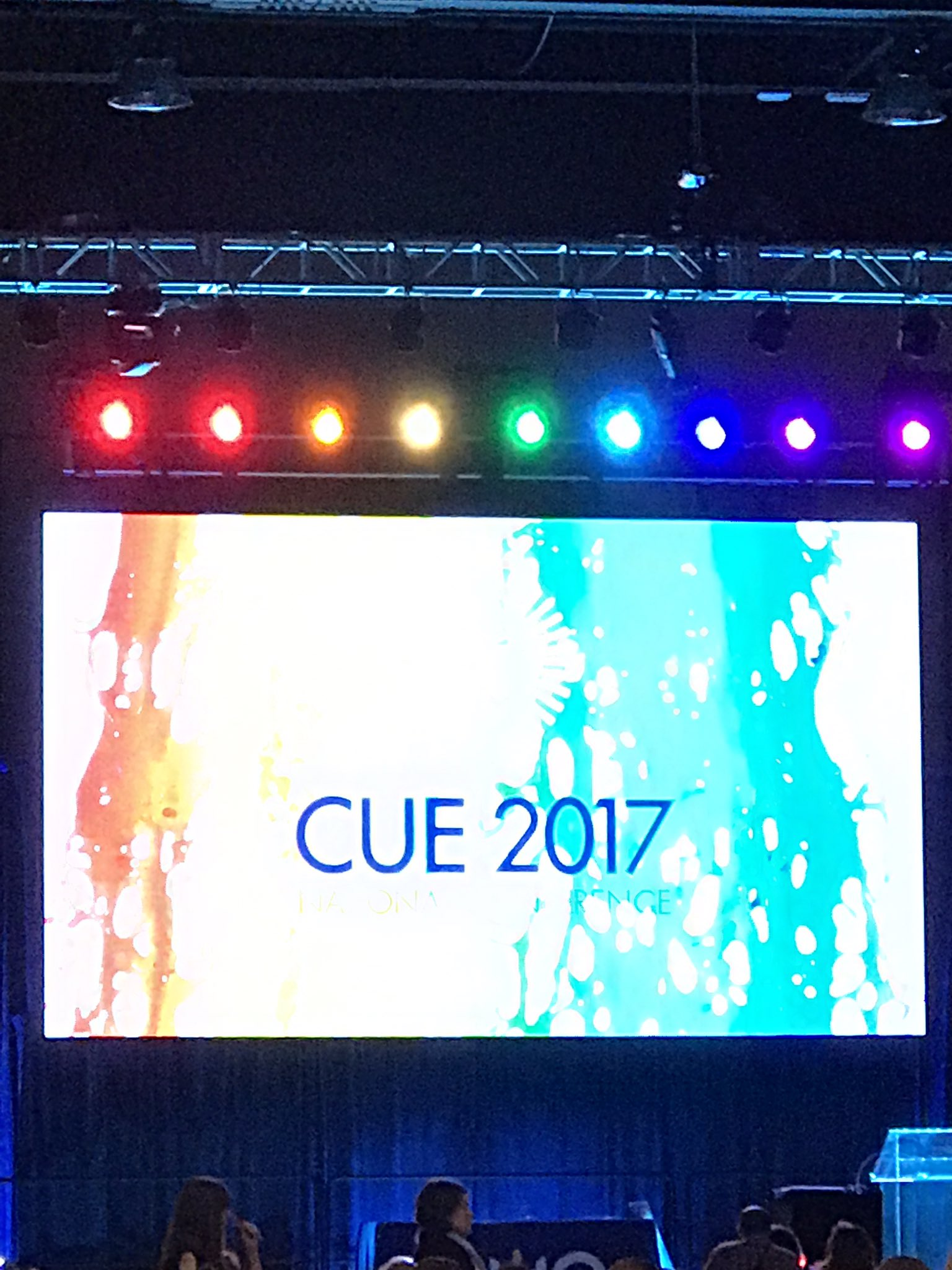 Waiting for the closing keynote by @art_cathyhunt. What a great end to the  #cue17 conference. https://t.co/xLhBiKBDa6