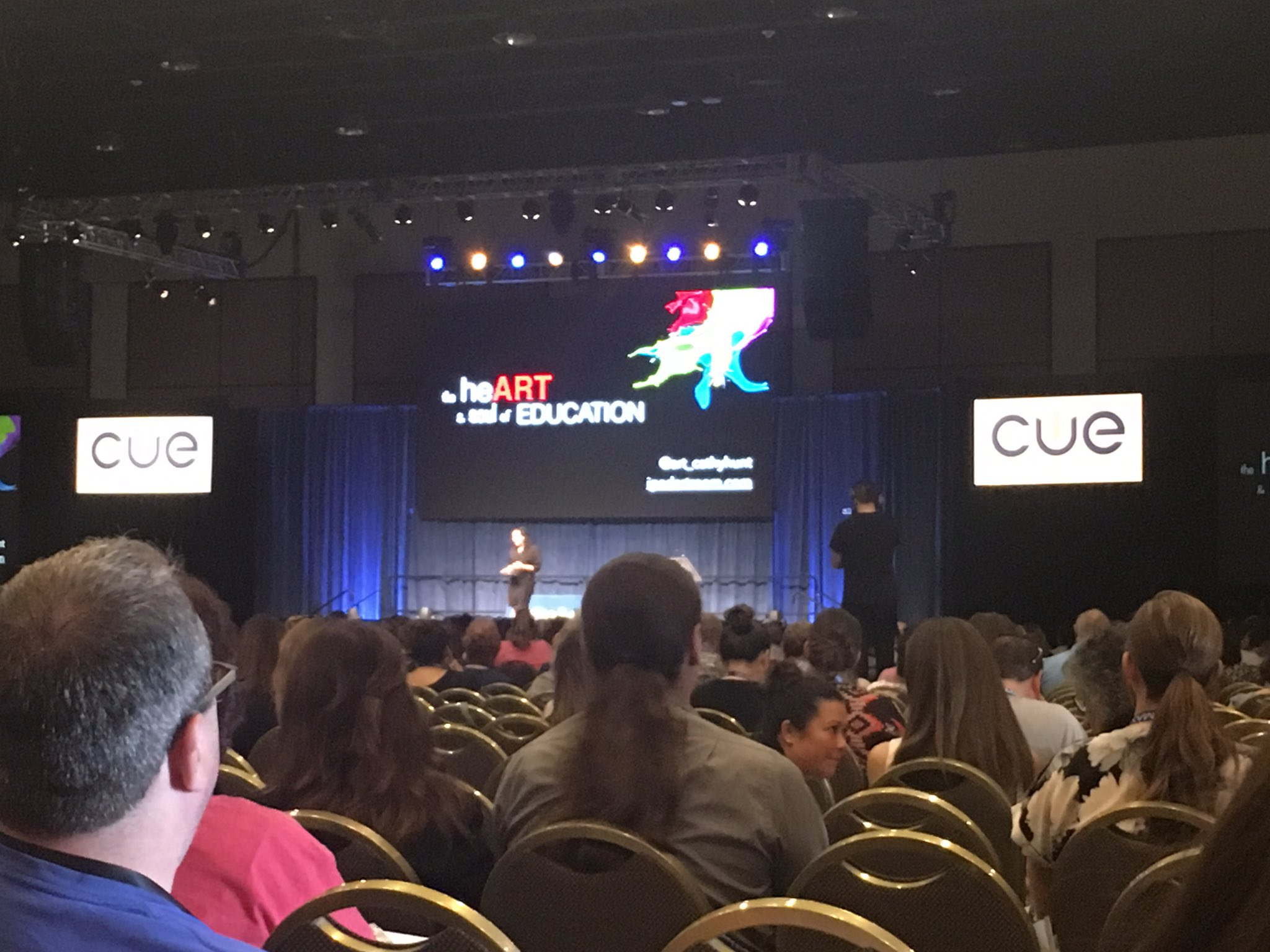 Kicking off closing keynote with @art_cathyhunt ! @Cre8ingArtNC14 wish you were here!!! #CUE17 https://t.co/xIQLh0UVSQ