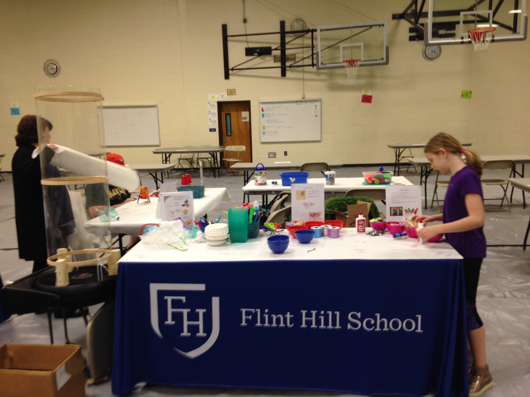 We are ready for you Northern Virginia! Come see us in the gym at Hughes Middle #myflinthill @makerfairenova @peacefulpendant https://t.co/IDzARwjSl0