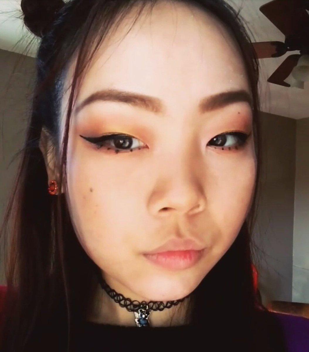 A glance on what&#39;s next   #makeup #lifestyleblog #fashion #fashionblogger #tutorial #youtube #eyeshadow #fallmakeup #sephora #cateye<br>http://pic.twitter.com/PJTdU9pYY1