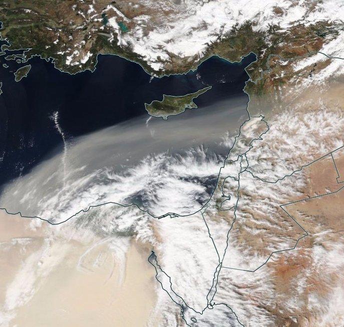 Le #sable arraché du désert égyptien se propage jusqu&#39;aux portes de #Chypre .  #SUOMI <br>http://pic.twitter.com/zGKwR5JXoL