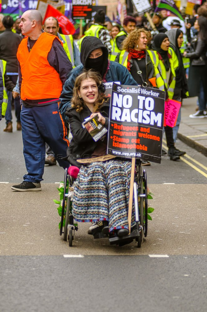 here are photos from today&#39;s #protest #AntiRacismDay #refugeesWelcome #antifa #antifascistas   http://www. magicmonkeys.net/album/london-g b-18032017-antiracism-demonstration/ &nbsp; …  © Pierre Alozie 2017.<br>http://pic.twitter.com/UpzgZ6iW8M