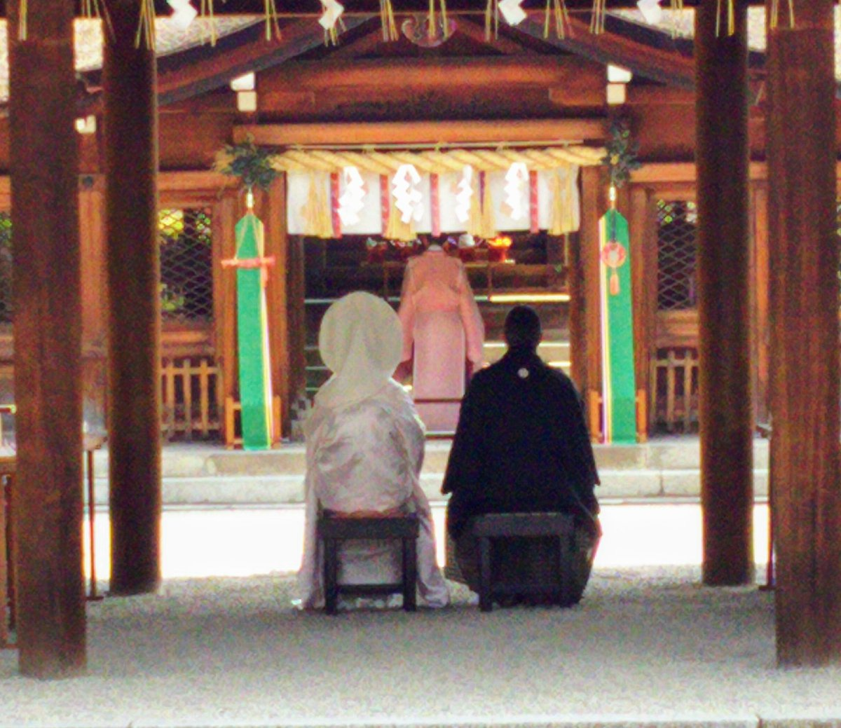 【豊国神社神前結婚式】今日当社で挙式された新婦さんは審神者でばみくん推しとのこと。そのご縁で当社での結婚式をご希望下さいました。とってもうれしく思います。お二人の末長いお幸せをお祈り致します。