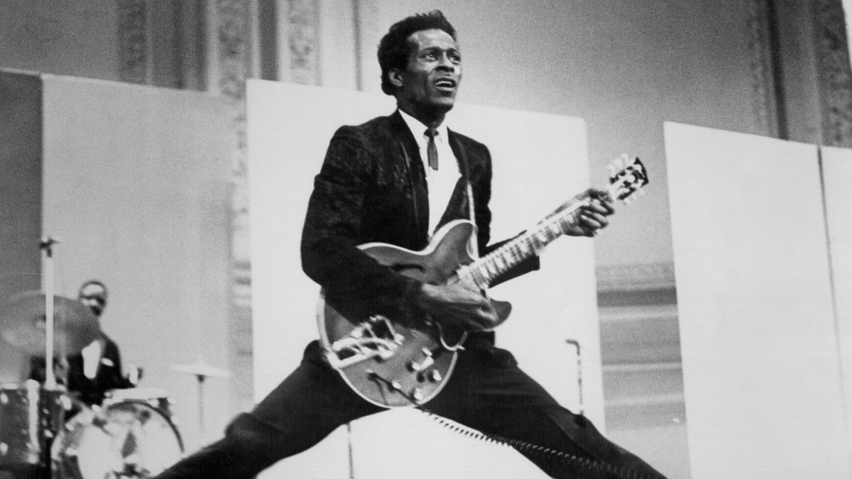 R I P. And peace and love Chuck Berry Mr. rock 'n' roll music 😎✌️🌟💖🎵🎶☮