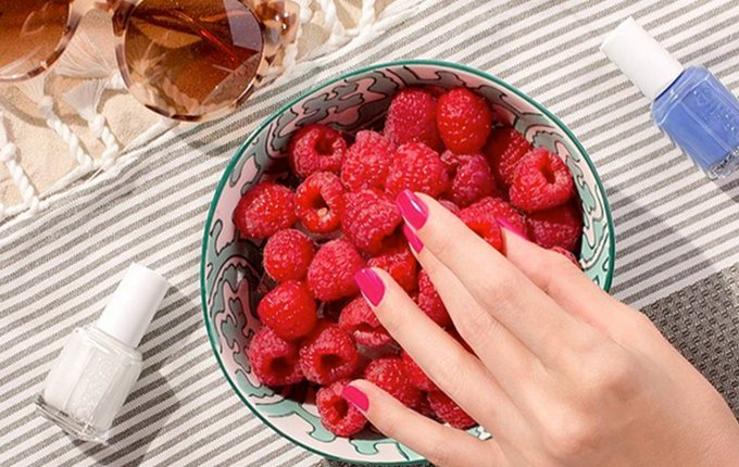 The 4th of July Nail Polish Combos We're Obsessed With