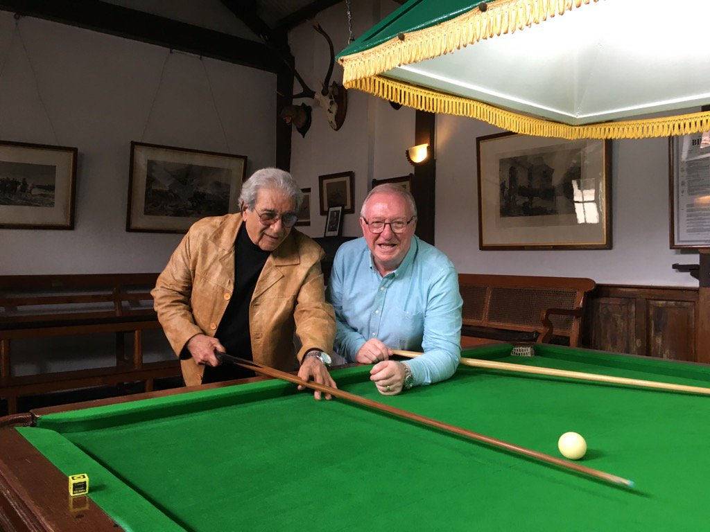 Gentleman Jimmy who looked after me on my visit to The Ooty Club in India, where snooker was invented. https://t.co/yqyw5LzkwL