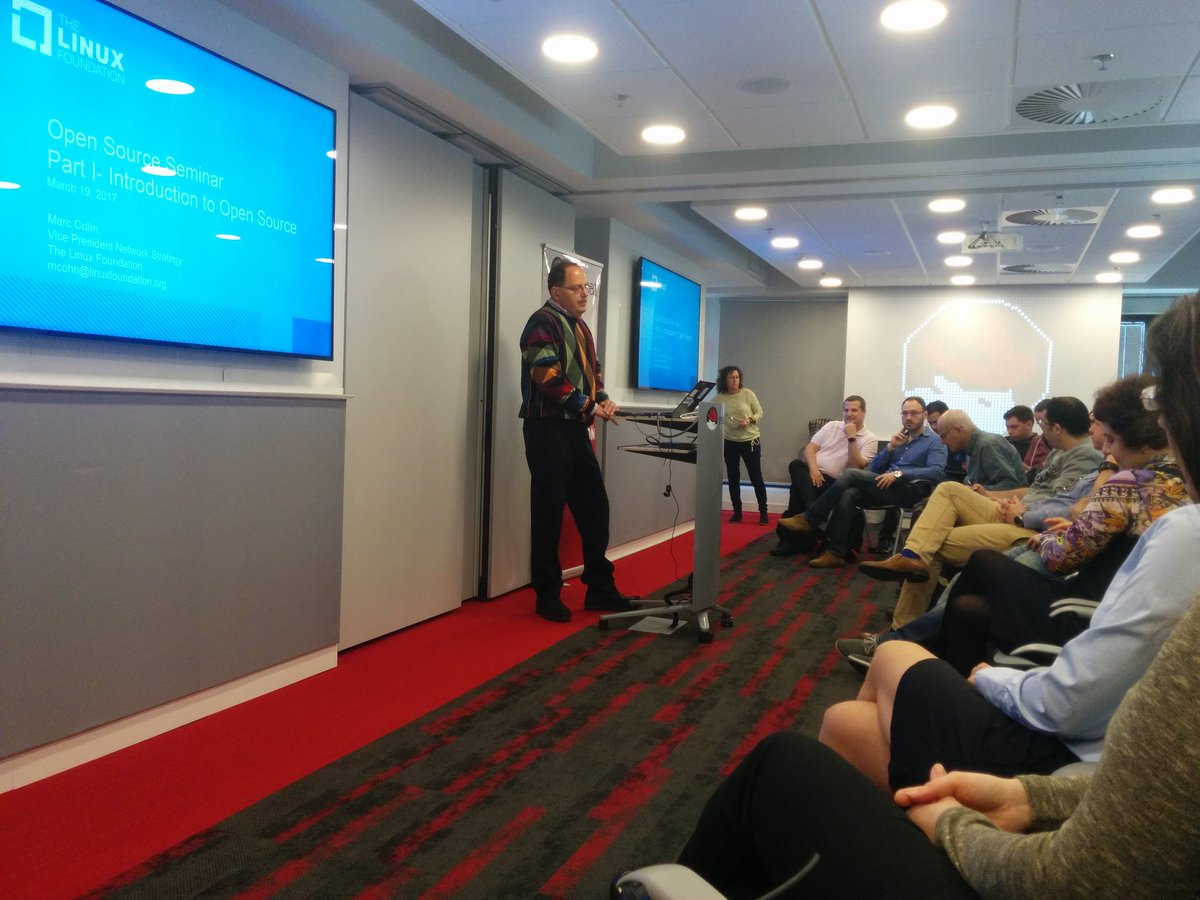 Great seminar with @linuxfoundation VP Marc Cohn on #opensource #NFV #ECOMP #OPENO #SDN #orchestration <br>http://pic.twitter.com/p53Oc6Yni1