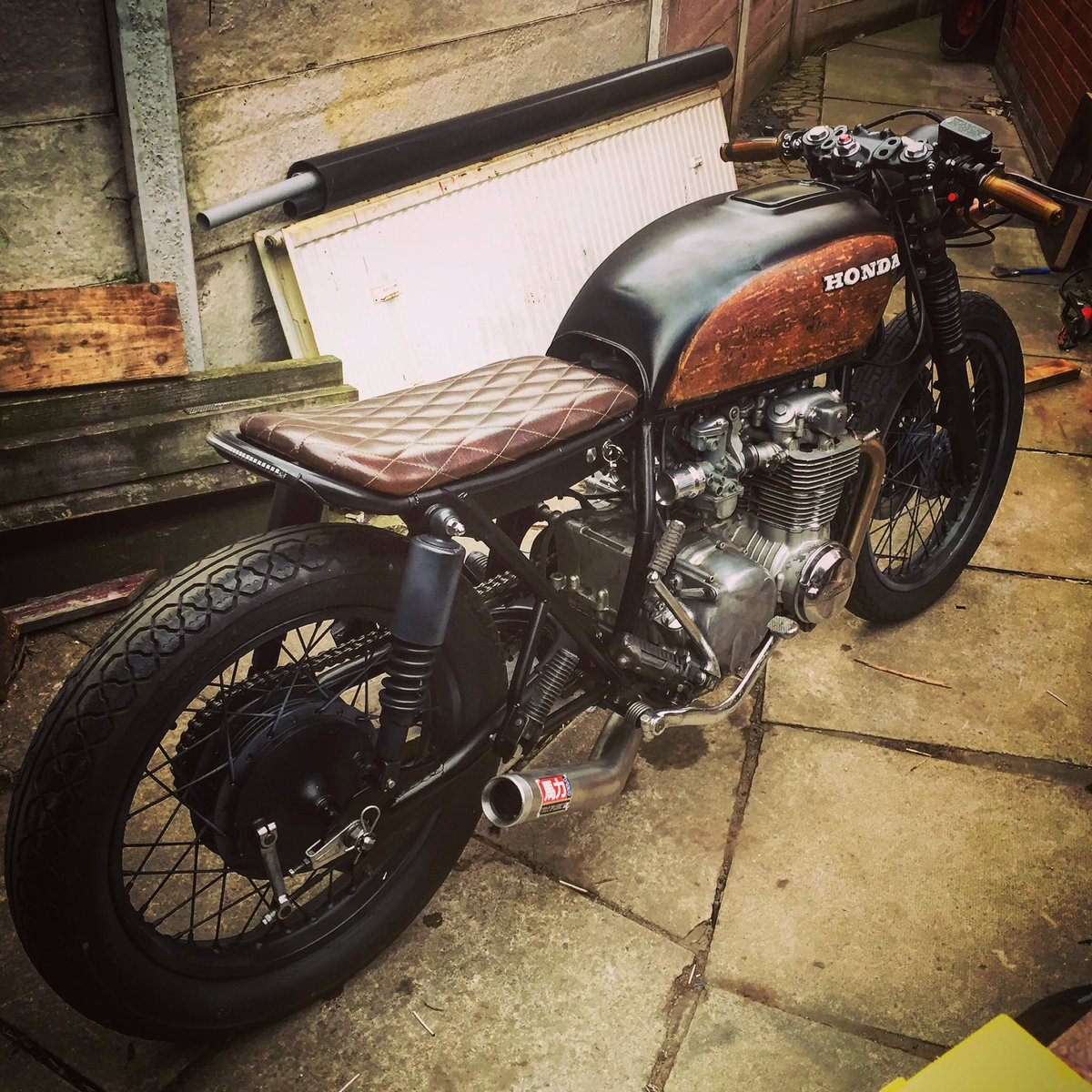 "Misdemeanor Customs on Twitter: ""My first build was a 1976 #Honda #cb550F what yall think?? #cafe #caferacer #bratstyle #cb550 @caferacerbrat… """