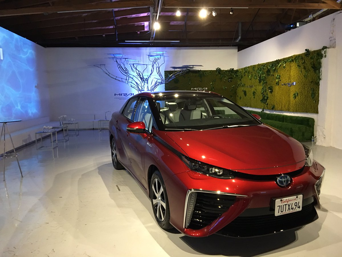 The Mirai Hydrogen Car By Toyota Is Actually Pretty Awesome Twice Pickup Of A Prius No Engine Like Tesla Battery Pic Twitter