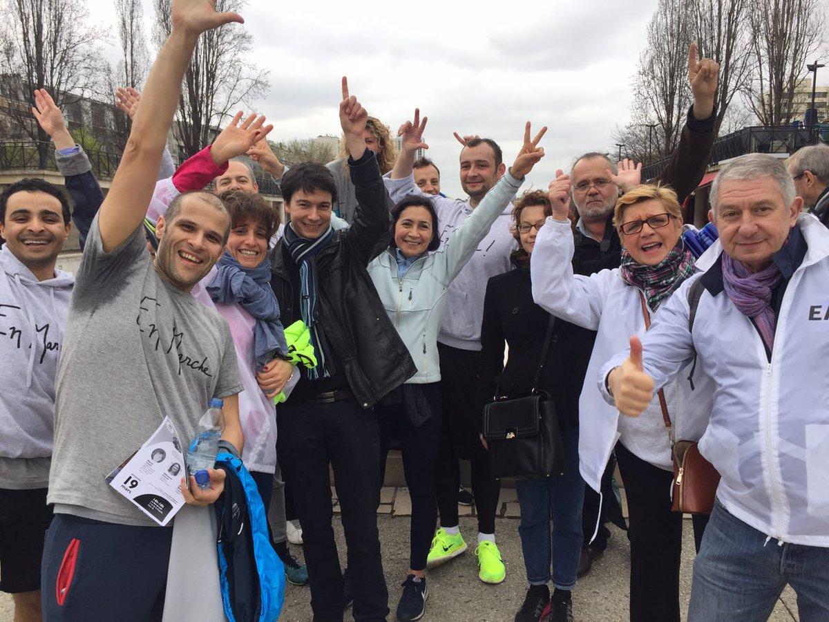 Ce matin à 10h les marcheurs en courant étaient bien là le long du canal ! Bravo  #printempsdemacron #running #run #JeMarche #JeCours<br>http://pic.twitter.com/YMwDpovcC4