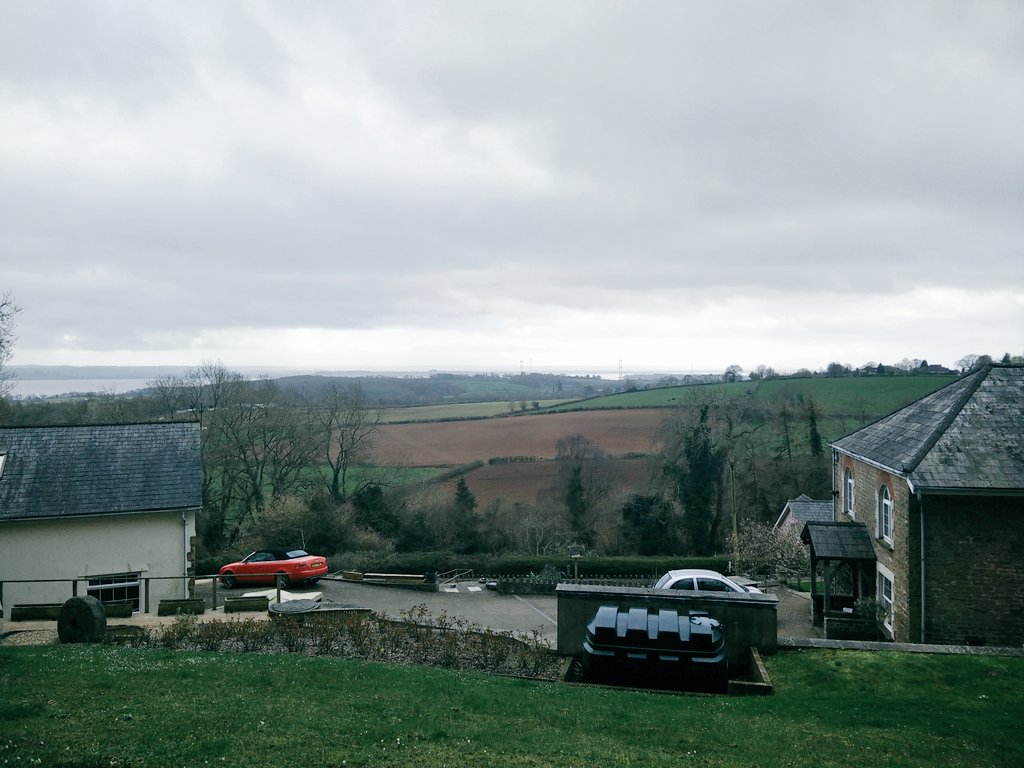 It's a bit cloudy but I can see the Severn Bridge from here. I'll see Bristol on a good day! ☺ #laptoplife2017 https://t.co/XJjuONn7p2