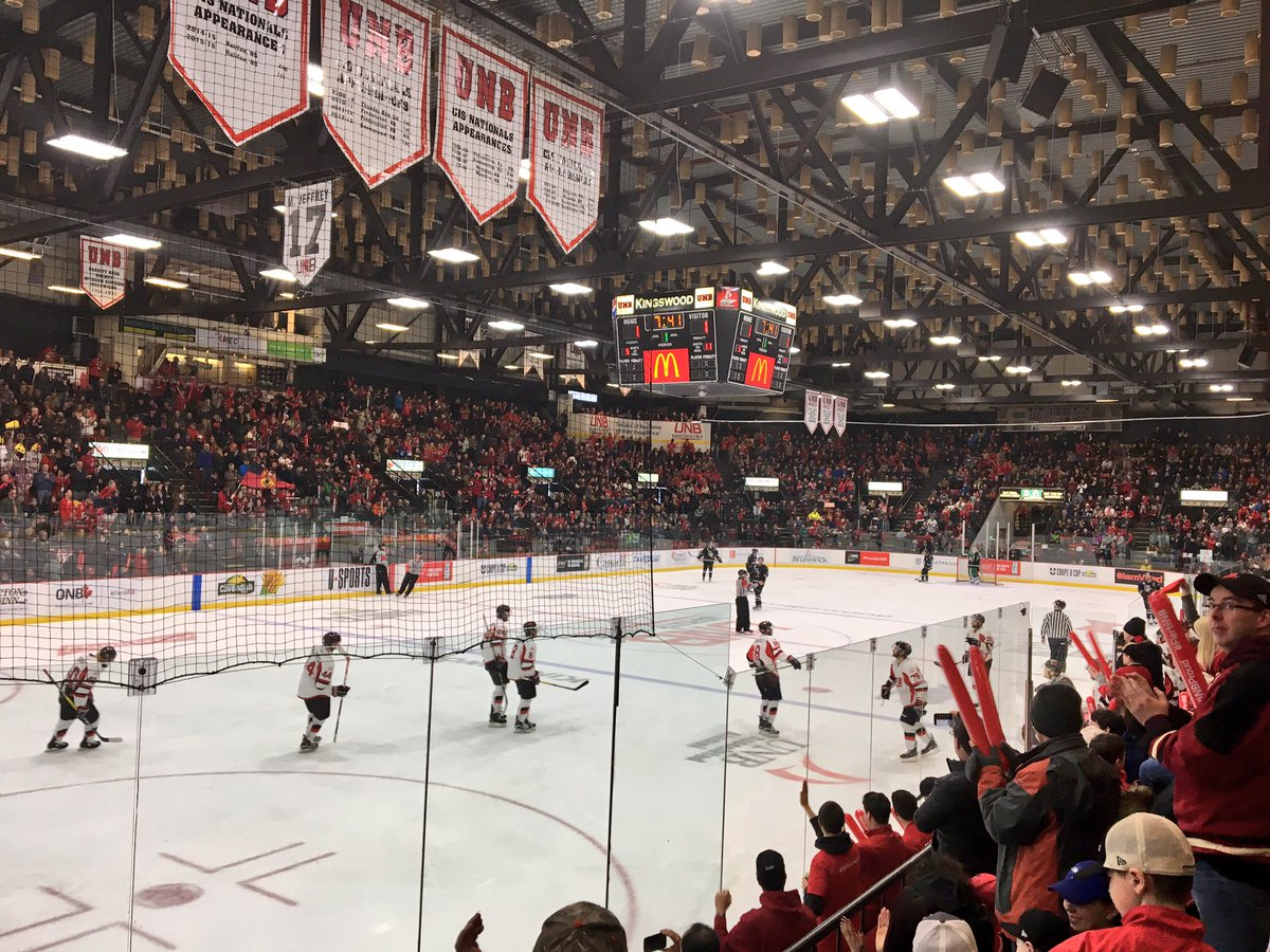 "UNB on Twitter: ""🚨 2-1 @VarsityReds #UCup #iamvred 🚨… """