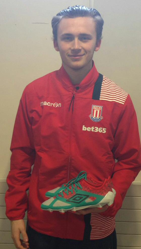 Happy 19th Birthday to Stoke City striker Jack Devlin. All the best from C4S #c4sfam https://t.co/2GBIOWqIvE