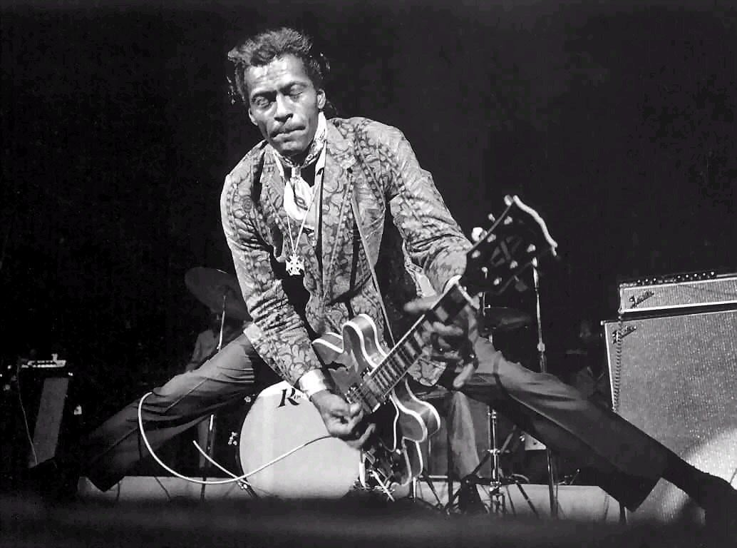Bye Bye Chuck! We&#39;ve all lost our father. Thanks for gaving us the love for RNR   #RockInPeace #ChuckBerry #duckwalkinHeaven<br>http://pic.twitter.com/5Zahah8pk1