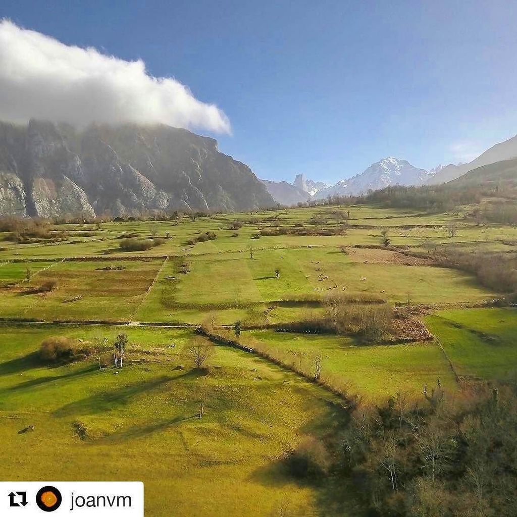 #Repost @joanvm with @repostapp ・・・ #picosDeEuropa from #cabrales #fields, #asturies  #drone #dronestagram #droneph…<br>http://pic.twitter.com/DRGhICsFyB