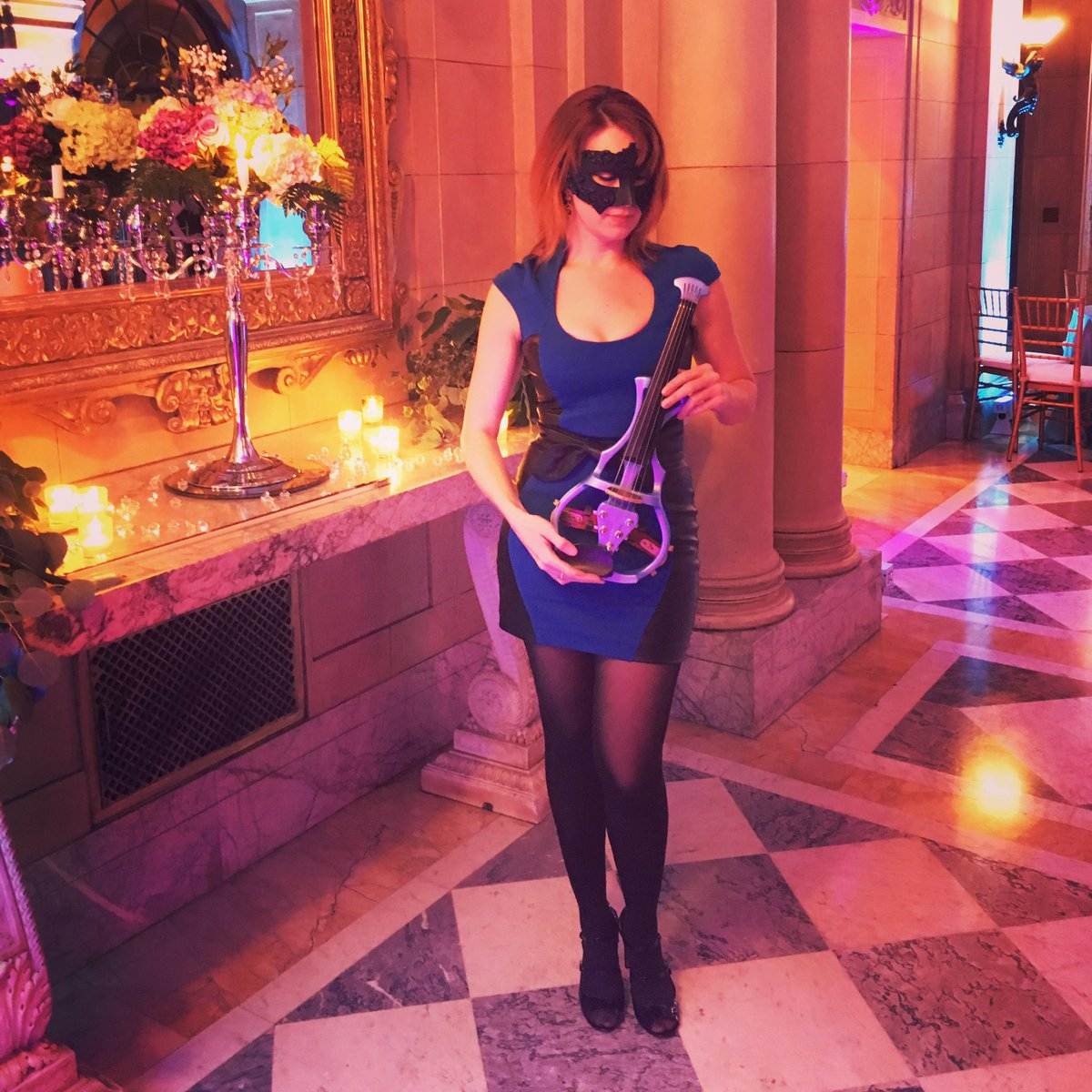 When your client asks if you mind wearing a mask... #masquerade #newenglandevents #electricviolin #violectra #taranovakviolin<br>http://pic.twitter.com/LS4PF4iHL7 &ndash; à Aldrich Mansion