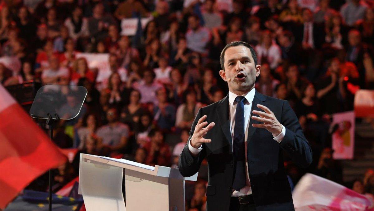 Galvanisé par son meeting à Bercy, Hamon met la pression à gauche bfmtv.com/politique/galv…
