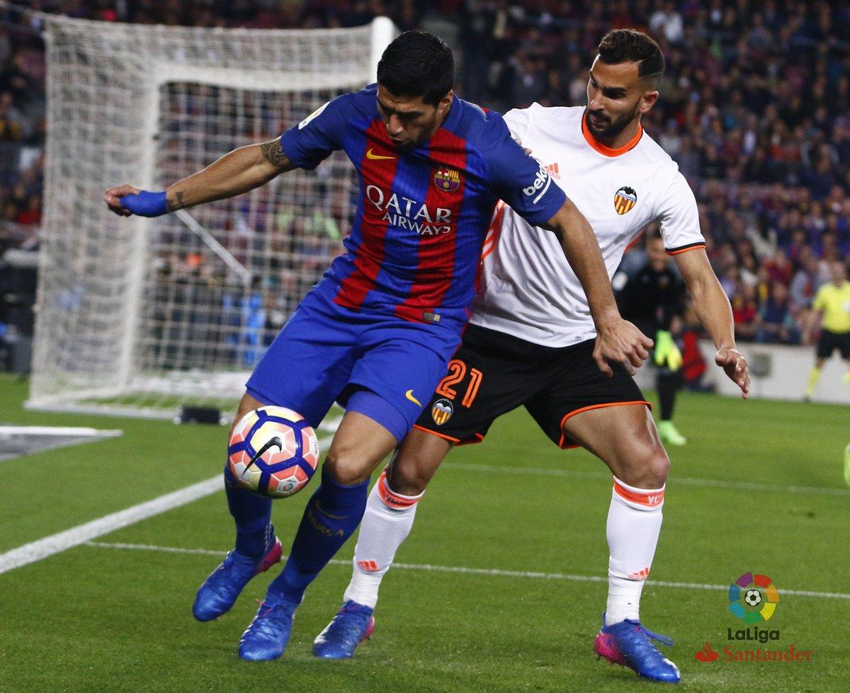 هدف برشلونة الأول في شباك فالنسيا