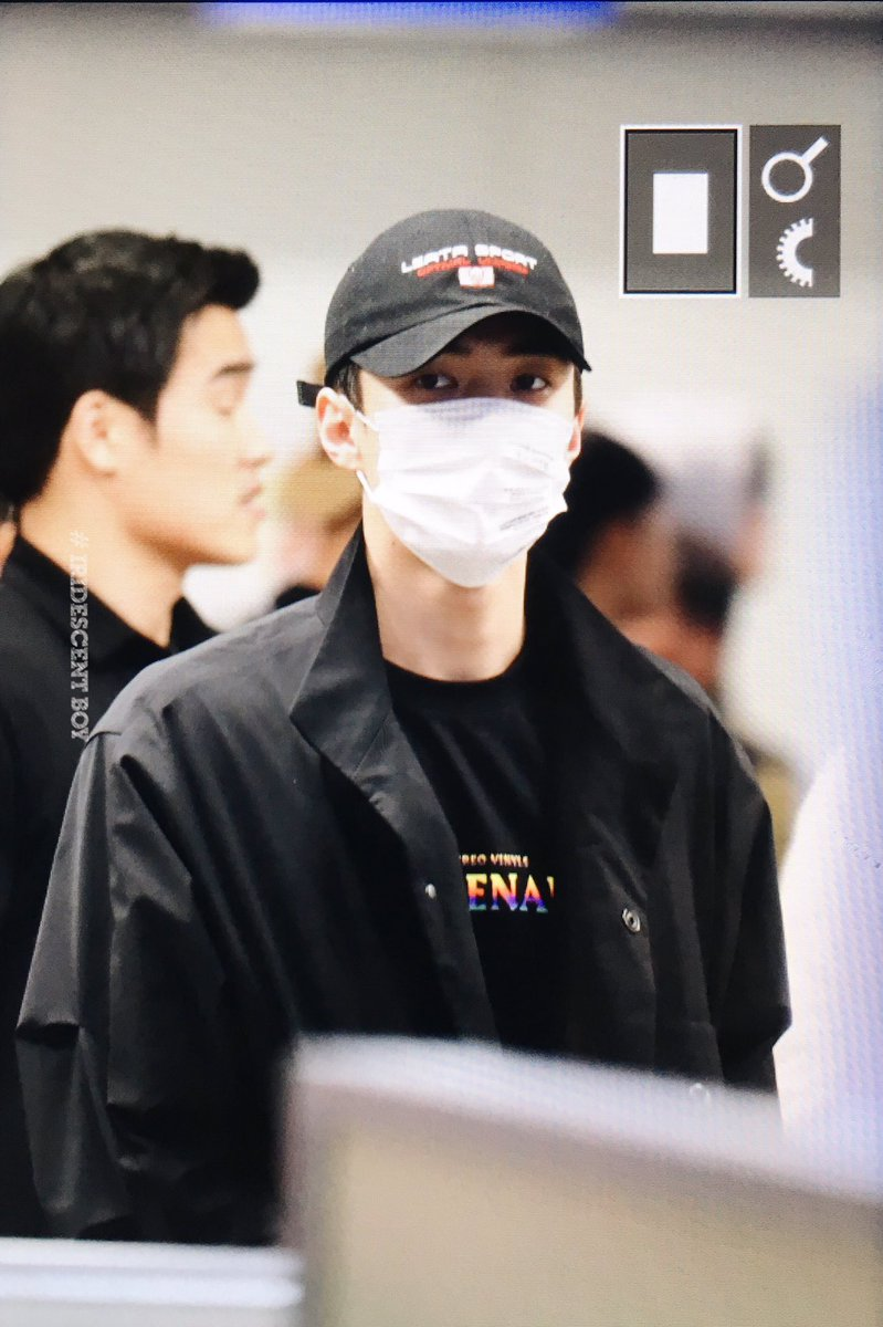 {#EXOPreview} 170320 : Sehun @ ICN Airport back from Malaysia (cr.iridescent_boy) pic.twitter.com/QDHk4N96e1